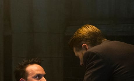 Helping Out - Gotham Season 5 Episode 5