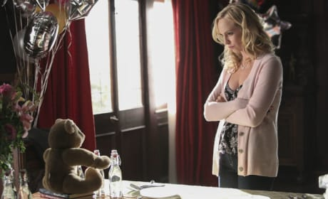 Lonely Party - The Vampire Diaries Season 6 Episode 13