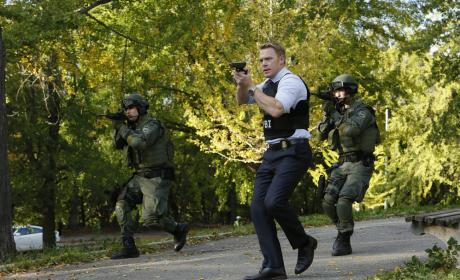 Time for some backup - The Blacklist Season 4 Episode 9