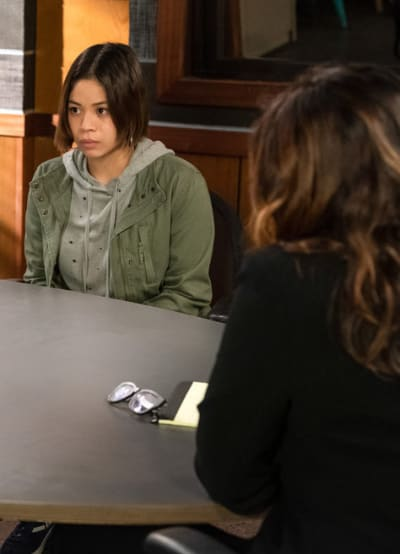 A Meeting Turns Violent/Tall - Law & Order: SVU Season 22 Episode 5