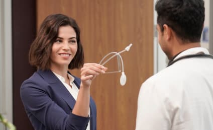 The Resident Photo Preview: Jenna Dewan Guest Stars!