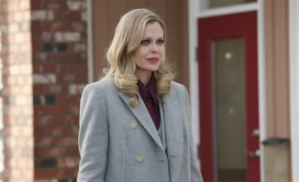 Once Upon a Time Photo Gallery: A Pregnant Prisoner
