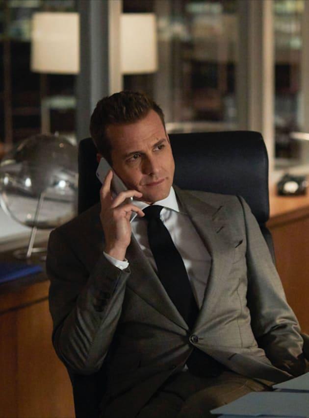 Harvey Weighs In - Suits Season 8 Episode 14
