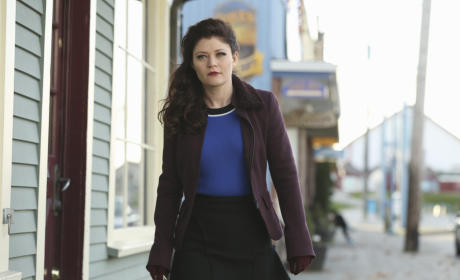 Will Belle Help Rumpel? - Once Upon a Time Season 4 Episode 21