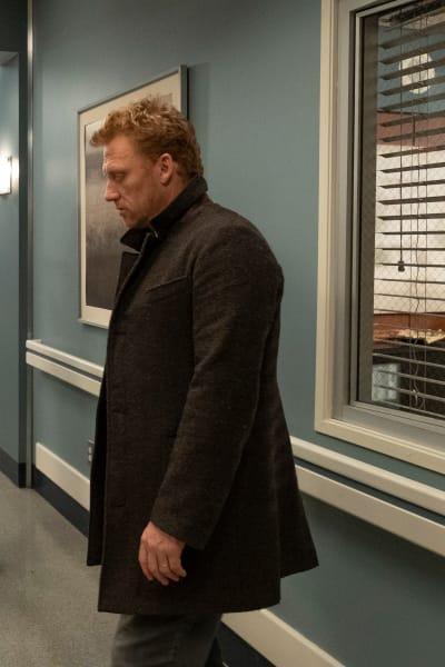 New and Improved Owen - Grey's Anatomy Season 15 Episode 24