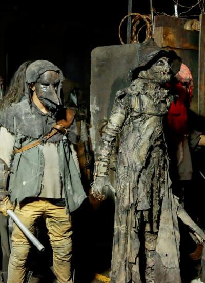 Scarecrow's Army - Tall - Gotham Season 5 Episode 1