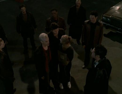 Surrounded - Buffy the Vampire Slayer Season 3 Episode 8