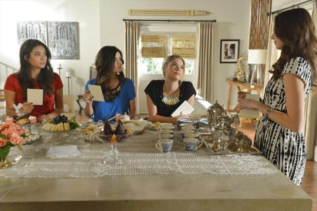 Pretty Little Liars Season 3 Photo