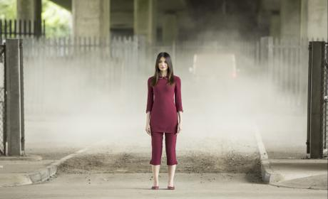 Mia is in Danger - Humans Season 2 Episode 5