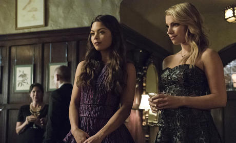 Nora and Mary Louise Look Nice - The Vampire Diaries Season 7 Episode 6