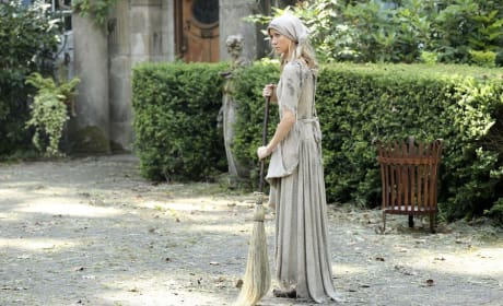 Cinderella Sweeps - Once Upon a Time Season 6 Episode 3