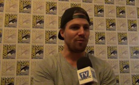 "Stephen Amell Teases Very ""Different"" Arrow Season 4"