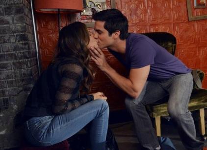 Watch Pretty Little Liars Season 3 Episode 10 Online