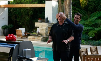 Modern Family Picture Preview: Grills and Thrills!