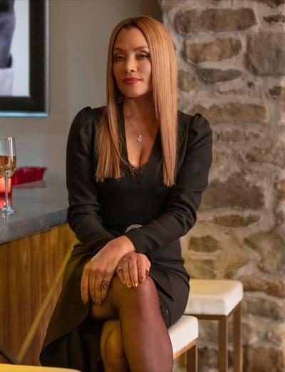 Dominique Poses - Dynasty Season 4 Episode 5