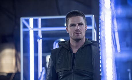 Neon - Arrow Season 3 Episode 2