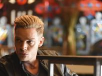 Shadowhunters Season 1 Episode 9
