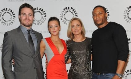Arrow PaleyFest Panel Teases Black Canary, Mystery Guest Star and More