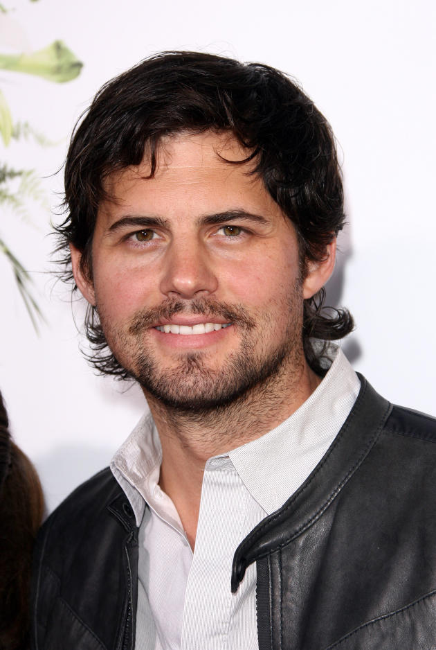 Kristoffer Polaha Photo