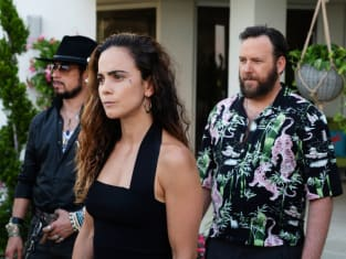 Teresa and Her Crew - Queen of the South