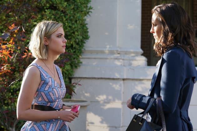 The Doctor Is Back - Pretty Little Liars Season 6 Episode 3