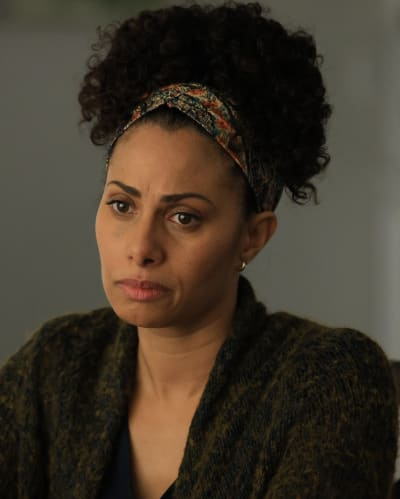 Aunt Gina -tall - A Million Little Things Season 3 Episode 10
