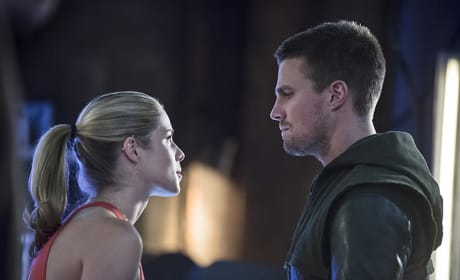 Felicity and Oliver Look Upset - Arrow Season 3 Episode 2