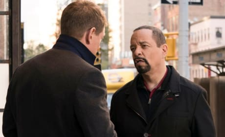 (TALL) On the Defensive - Law & Order: SVU Season 20 Episode 9