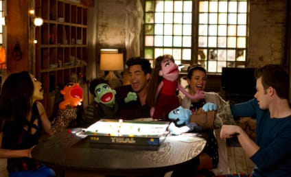 Glee Review: No Strings Attached