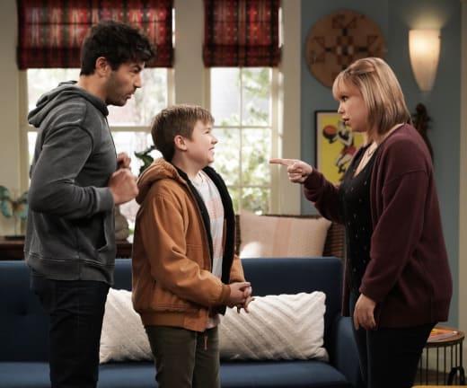 Kristin, Ryan, Body Dog - Last Man Standing Season 7 Episode 8