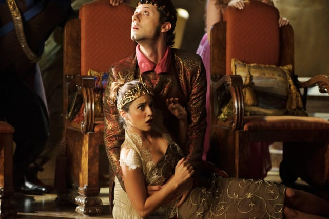 Queen Down! - The Magicians Season 2 Episode 6