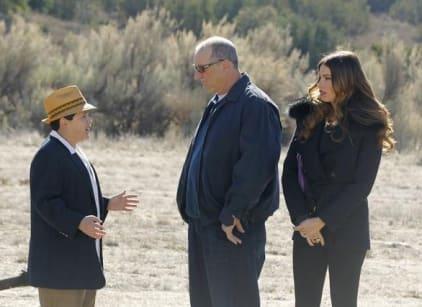 Watch Modern Family Season 3 Episode 21 Online