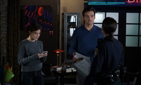 Pretty Little Liars Photo Preview: The Cops Close In!