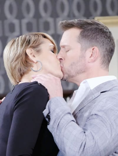 Kissing the Wrong Woman - Days of Our Lives