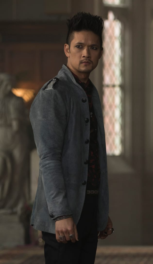 Magic Man - Shadowhunters Season 3 Episode 14