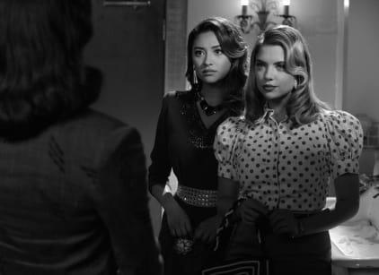 Watch Pretty Little Liars Season 4 Episode 19 Online