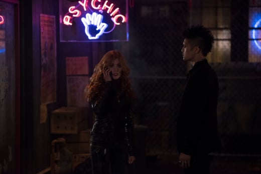 A Mad Call - Shadowhunters Season 3 Episode 6
