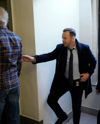 Questioning Someone - Blue Bloods Season 9 Episode 16