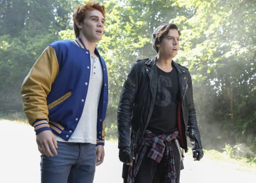 Dangerous Alliances - Riverdale Season 2 Episode 6