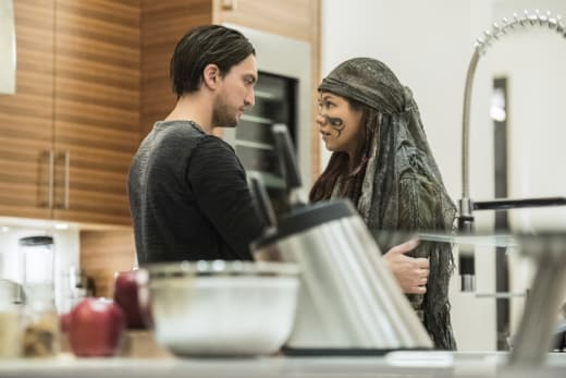 Making Things Right — The 100 Season 4 Episode 7