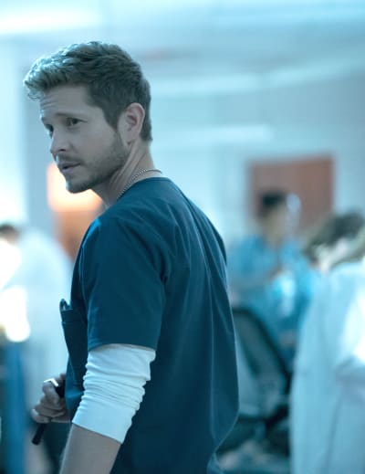 Hunky Healer - The Resident Season 2 Episode 1