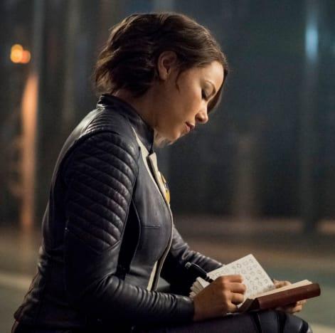 Nora's Memories - The Flash Season 5 Episode 5