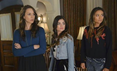 Unhappy Girls - Pretty Little Liars Season 5 Episode 12