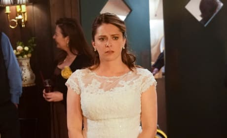 Rebecca Looks Forward - Crazy Ex-Girlfriend Season 4 Episode 17