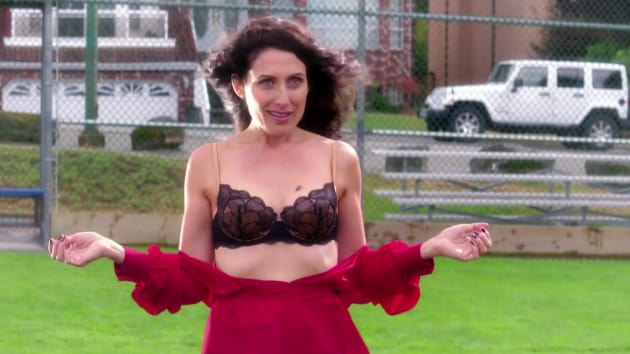 Spit on Me - Girlfriends' Guide to Divorce Season 3 Episode 3