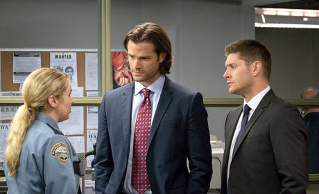 Sheriff Donna has the news - Supernatural Season 11 Episode 7