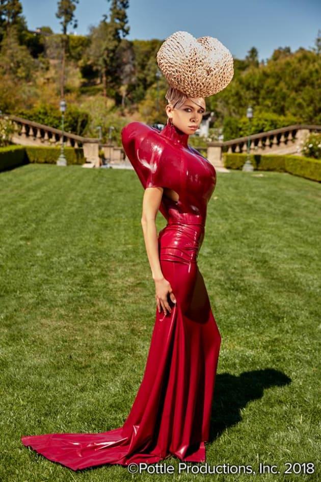 Rio (First Photo Shoot) - America's Next Top Model Season 24 Episode 1