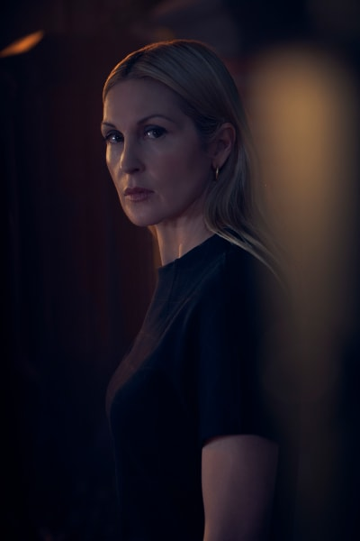 Kelly Rutherford as Claire - The Perfectionists