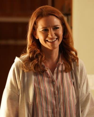 April Smiles Upon Her Return - Grey's Anatomy Season 17 Episode 14