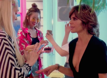 Watch The Real Housewives of Beverly Hills Season 8 Episode 4 Online